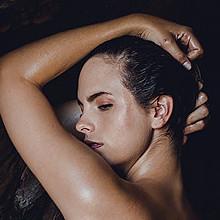 Olivia Stone Nude