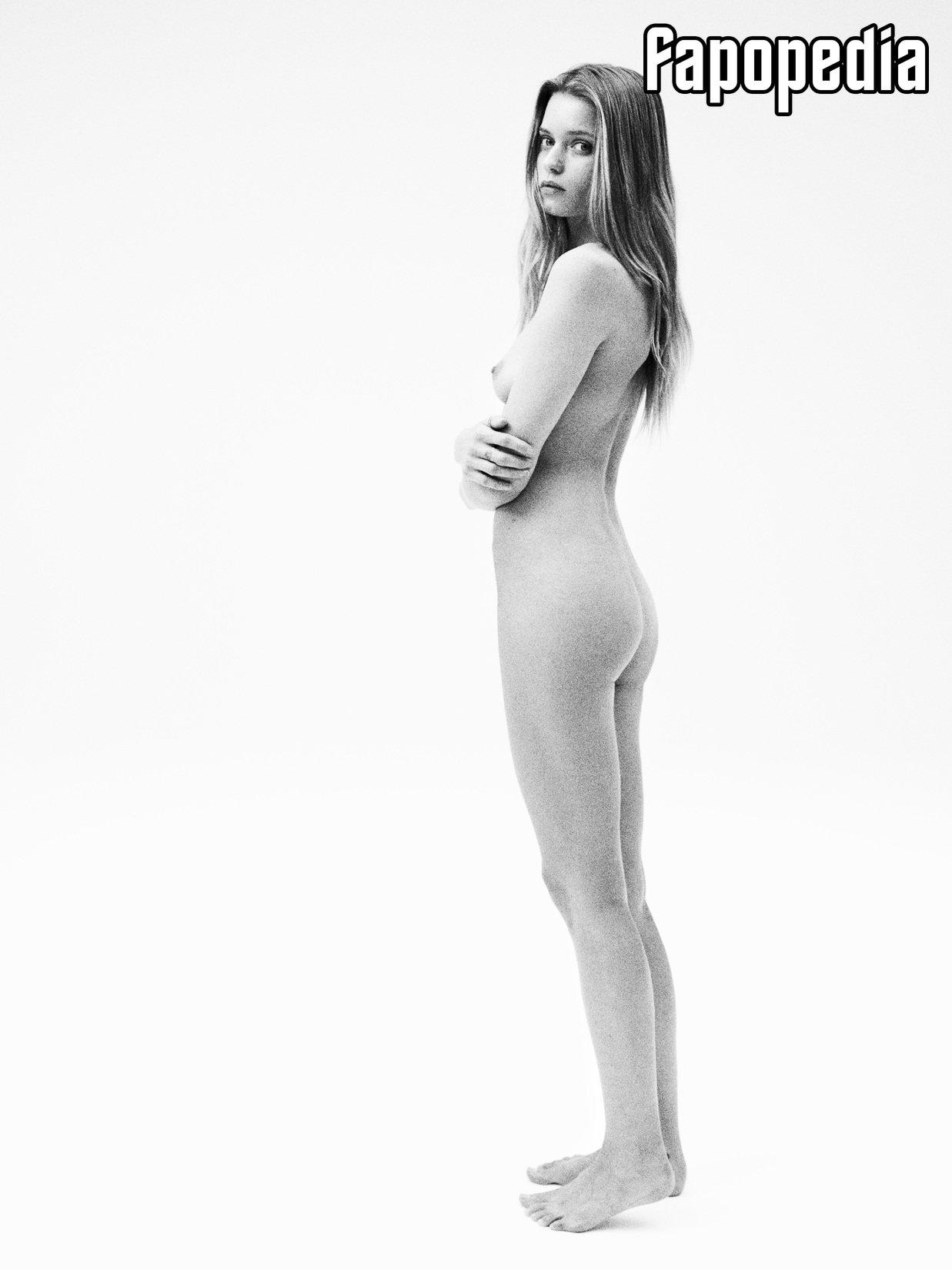 Abbey Lee Kershaw Nude Leaks