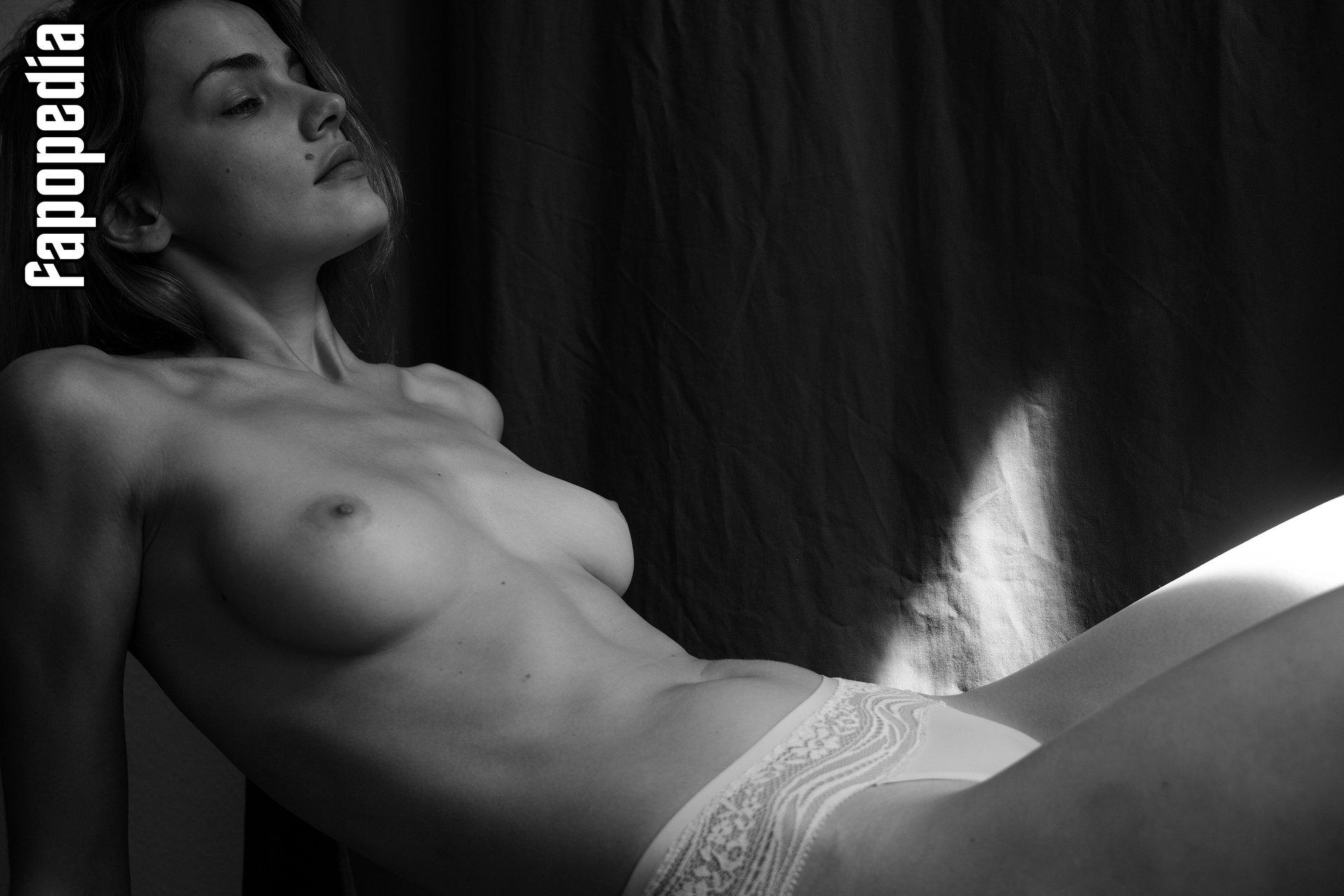 Ada Wrzesinska Nude Leaks
