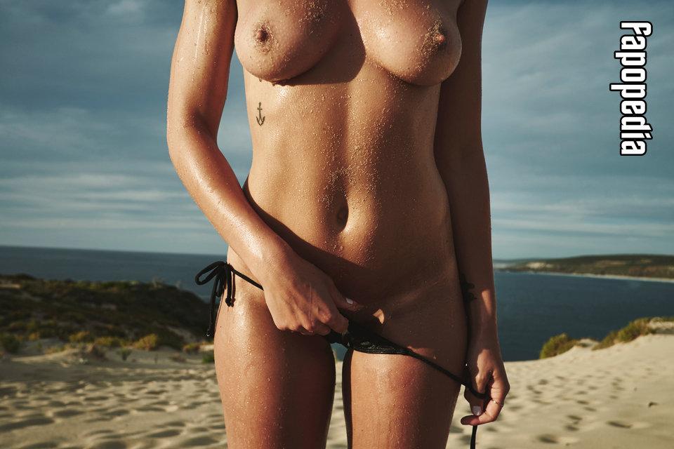 Alexandra Apostolidis Nude Leaks