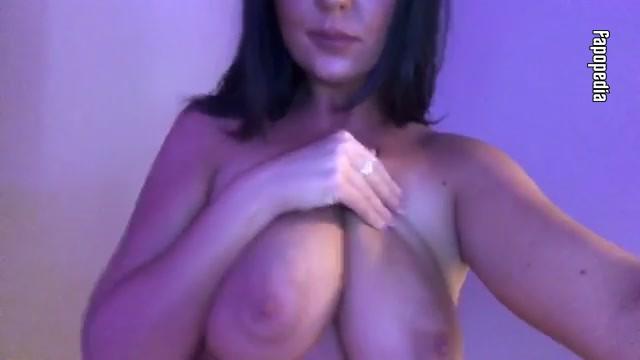 Alexis Alizae Nude OnlyFans Leaks