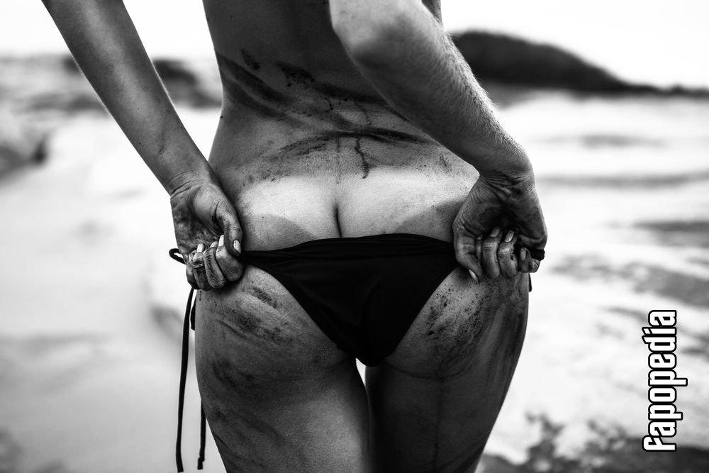 Alice Roberts Nude Leaks