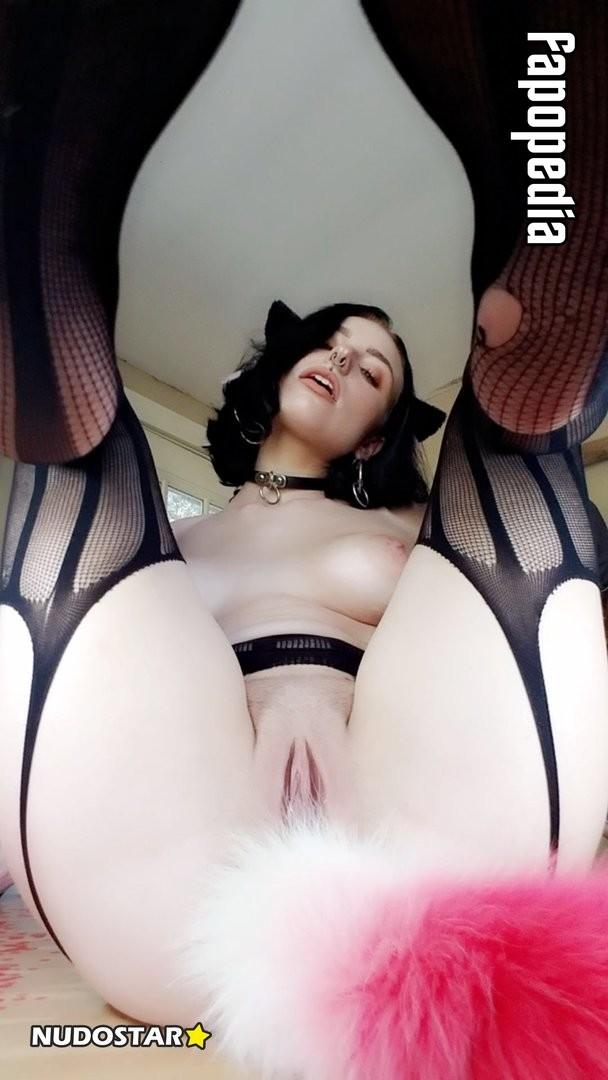 Alora Li Nude Leaks