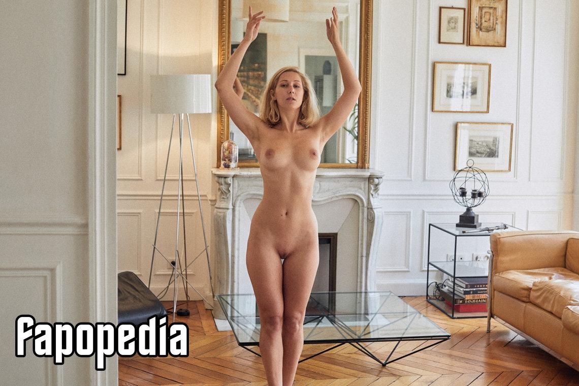 Masha Silberberg  nackt