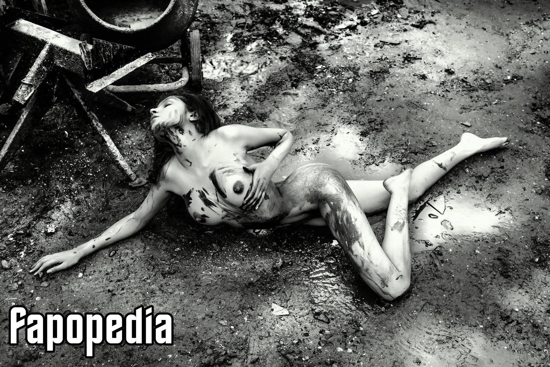Anastasia Higgins Nude Leaks