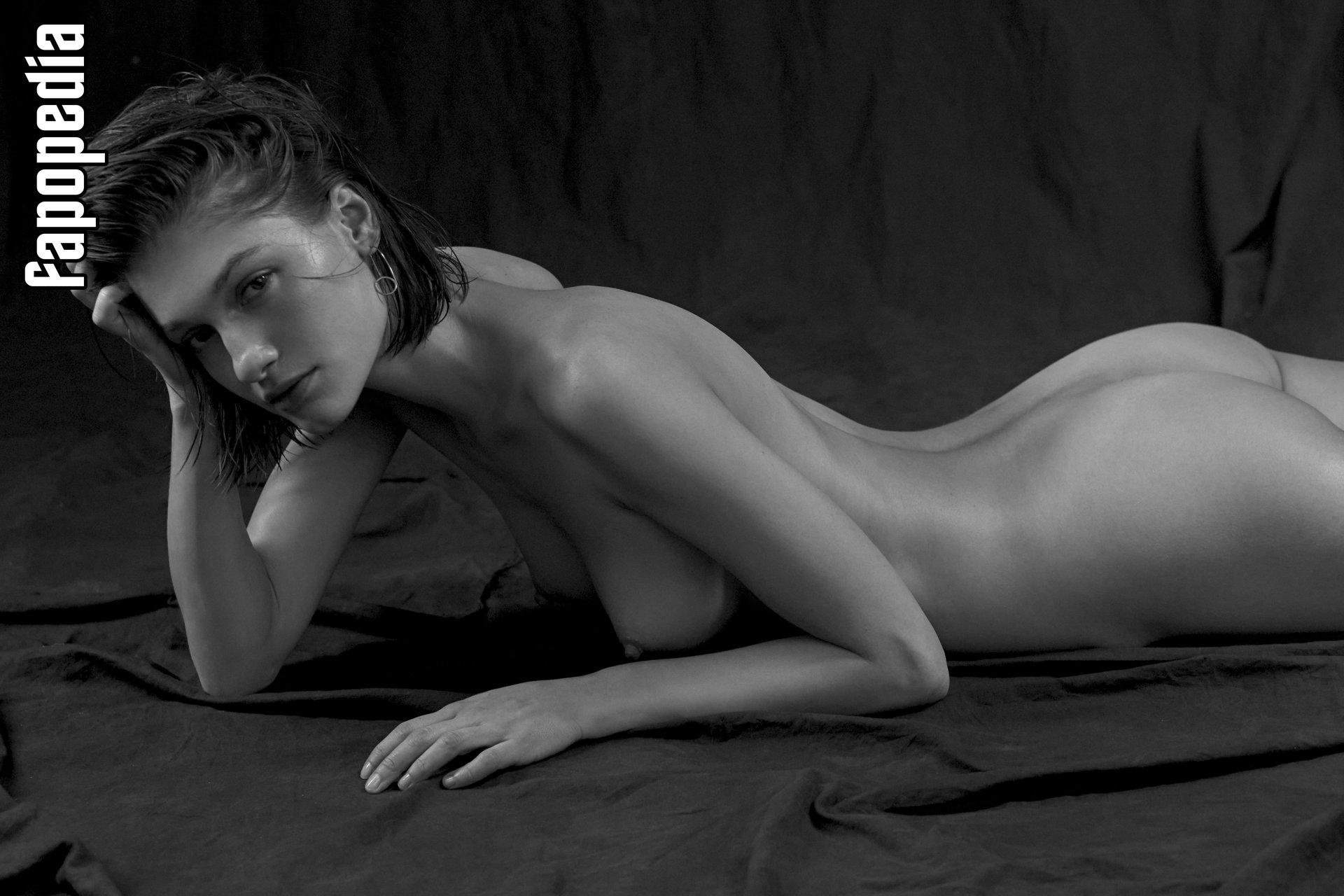 Anna F Nude Leaks