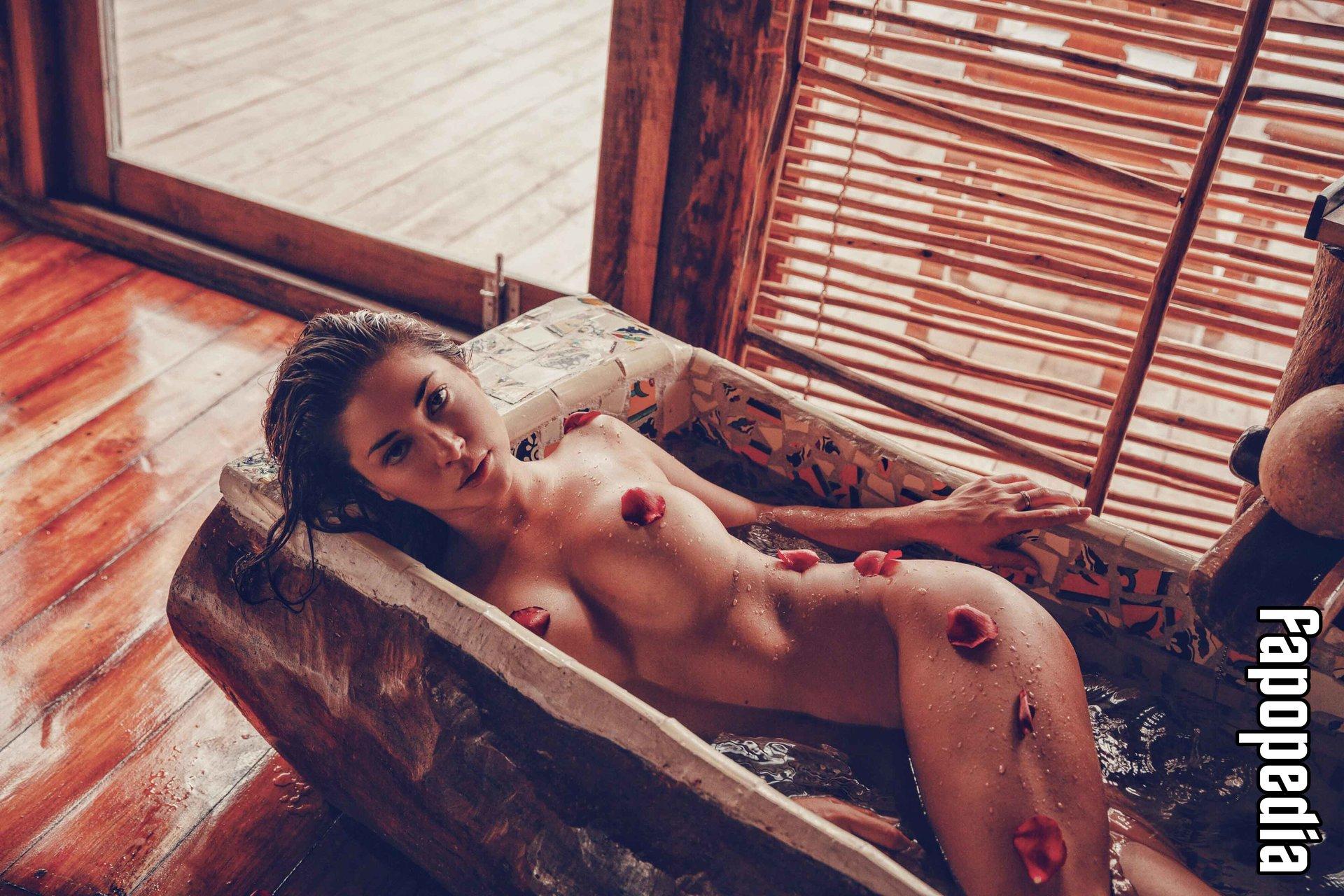 Arianny Celeste Topless Photos