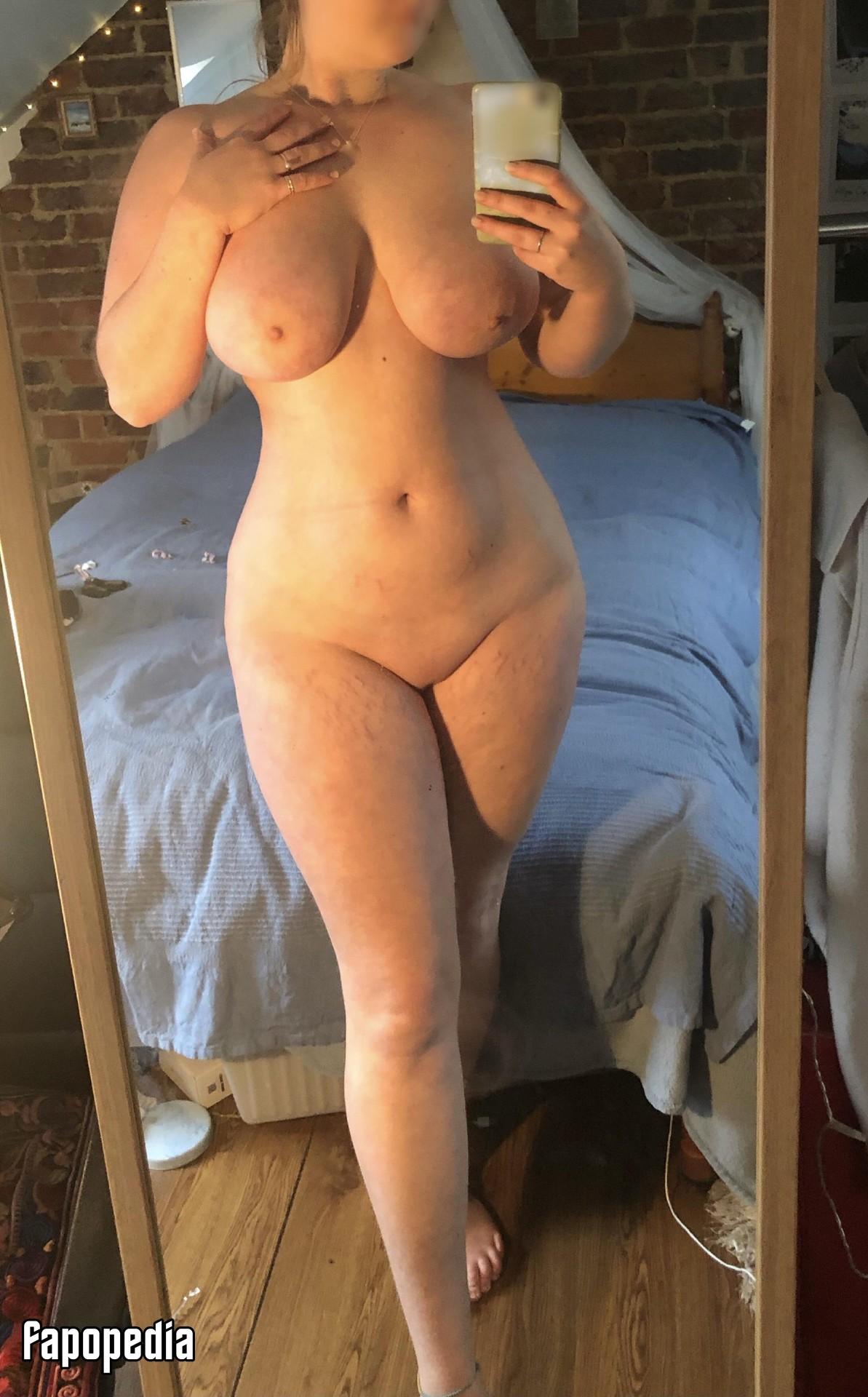 Bluebell Nude Leaks
