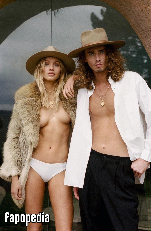 Caroline Corinth Nude Leaks
