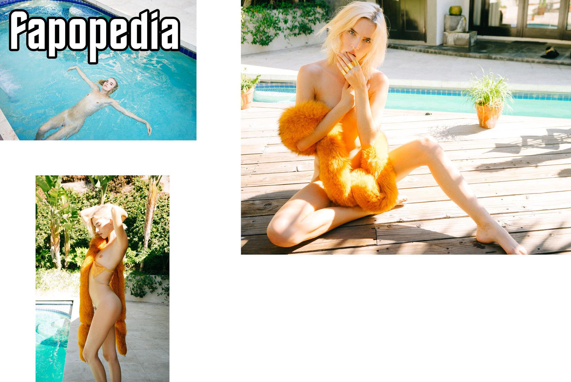 Chloe Holmes Nude Leaks