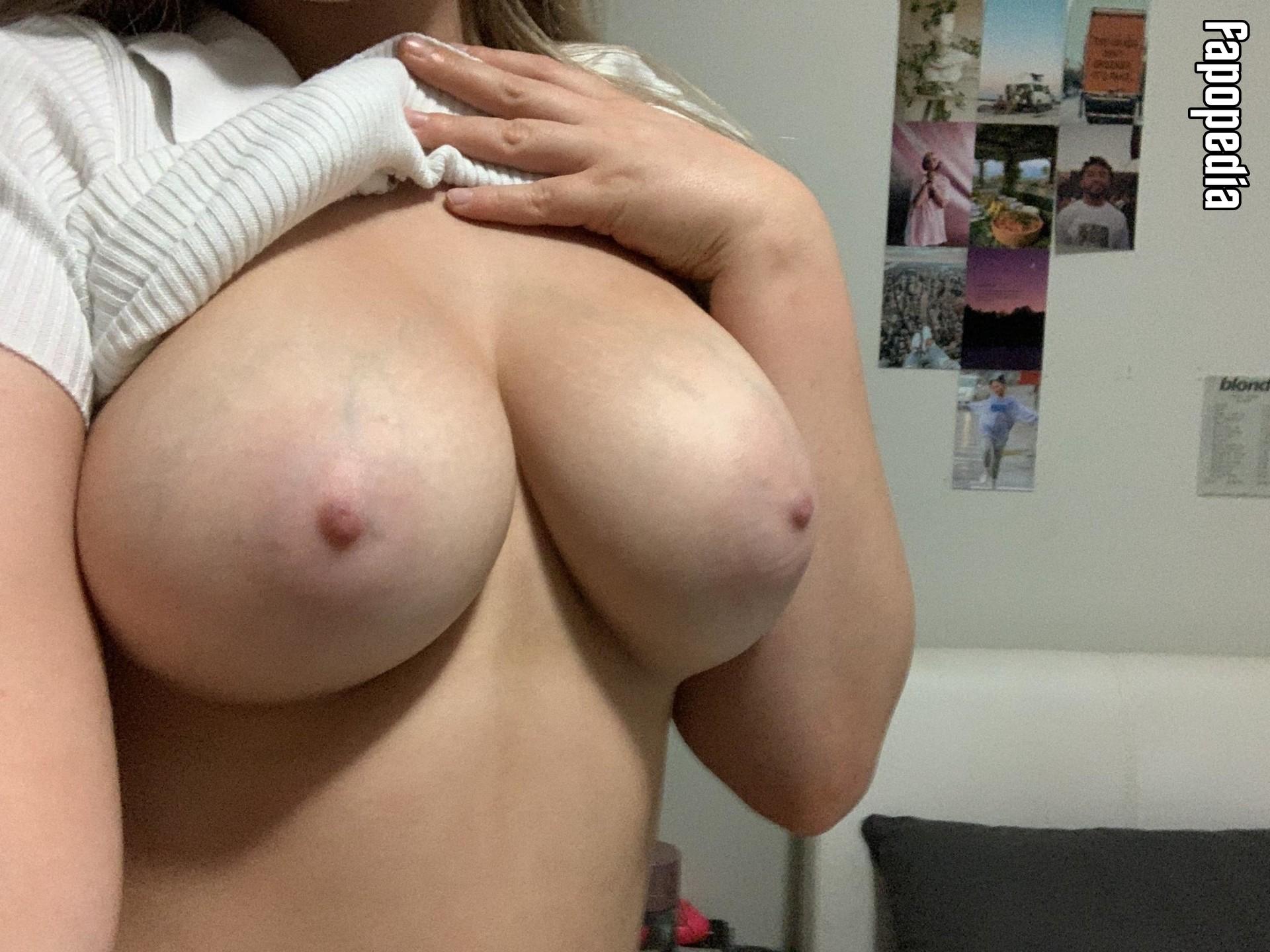 ClaraConner Nude Leaks