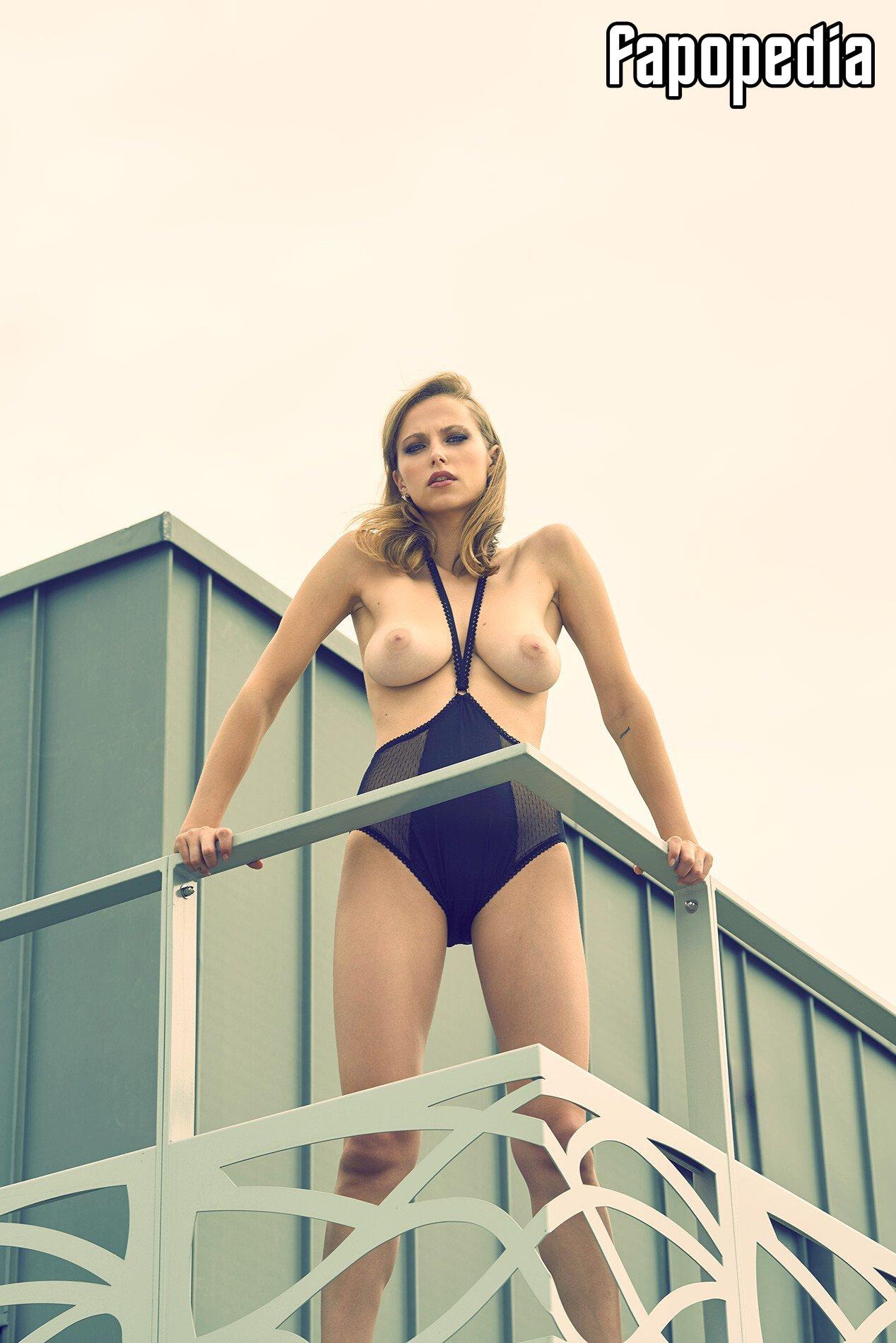 Coline Aulagnier Nude Leaks