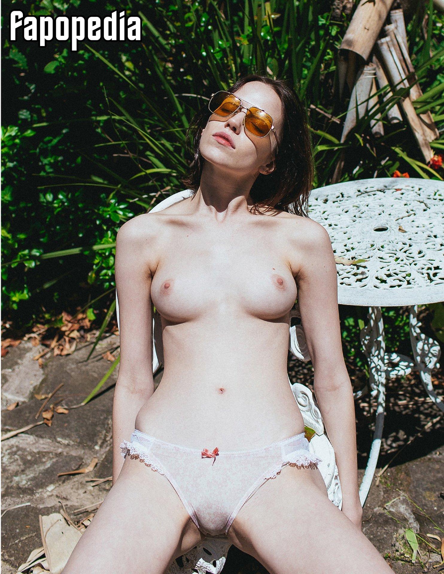 Corrie Lejuwaan Nude Leaks
