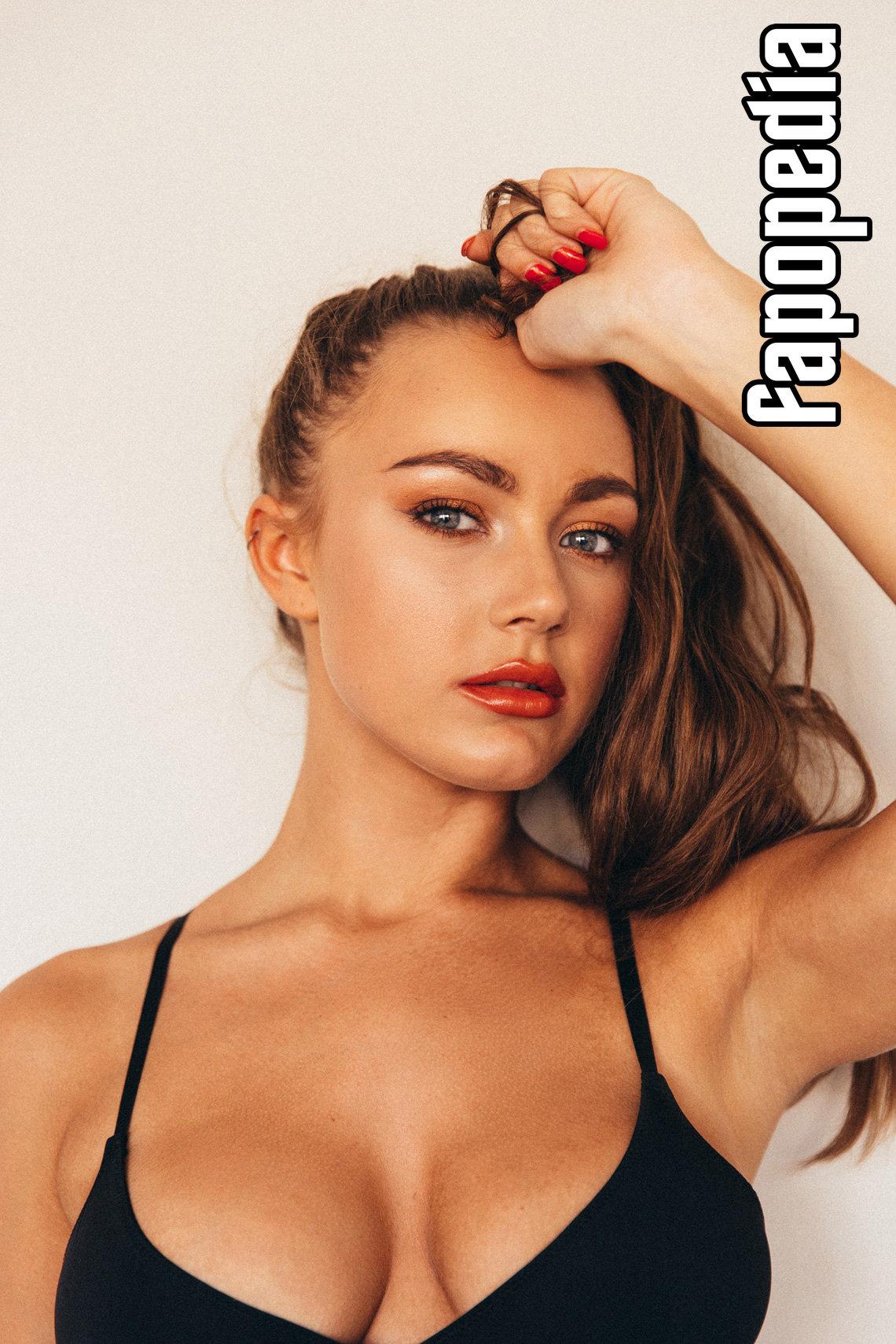 Courtney Knox Nude Leaks