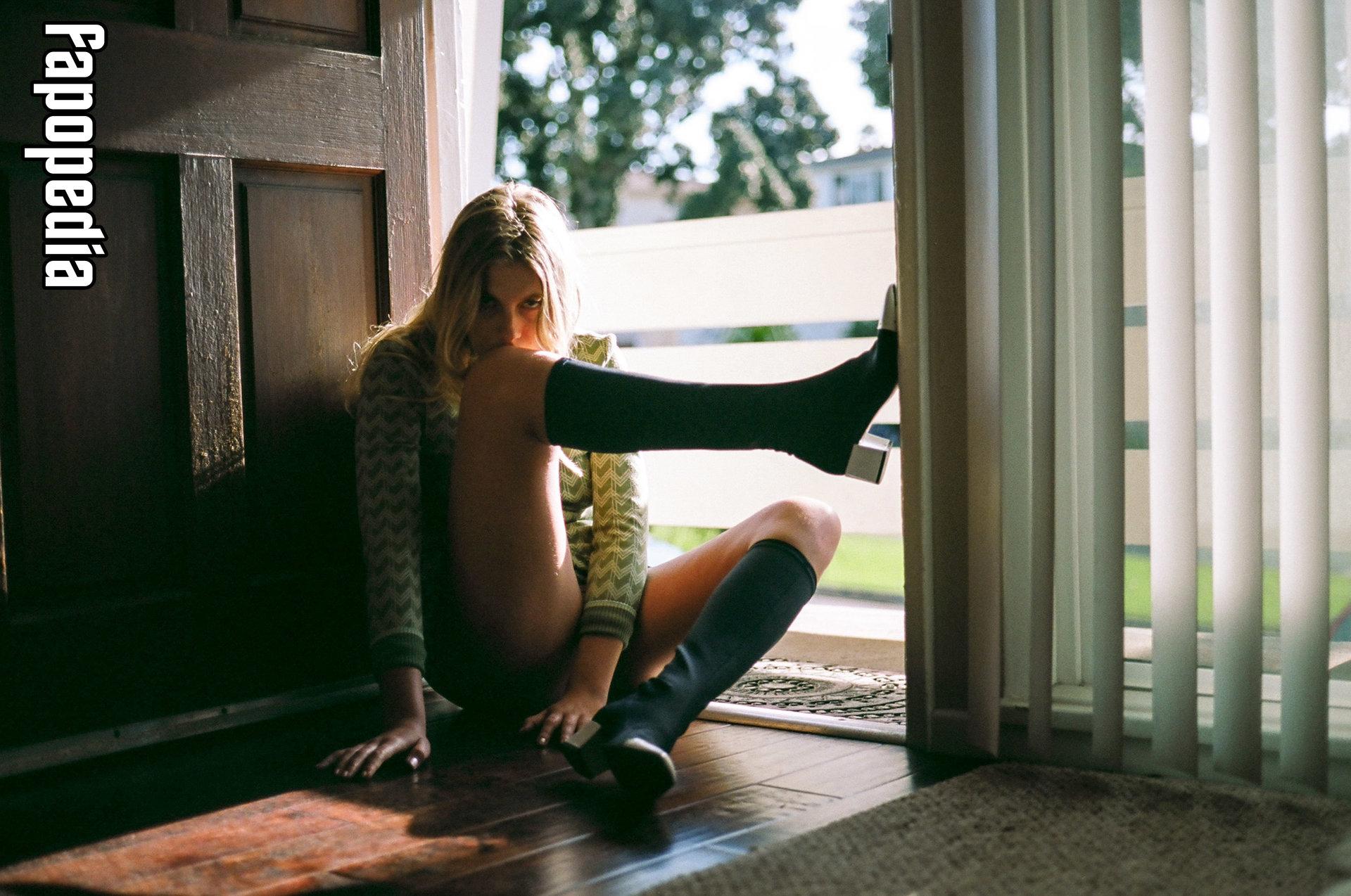 Eddie Mitsou Pettersson Nude Leaks