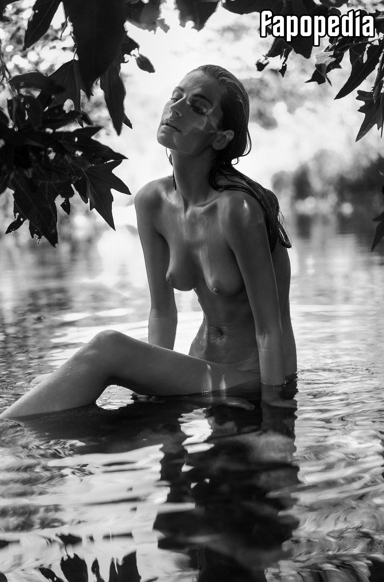 Nackt  Elen Dali Nude Celeb