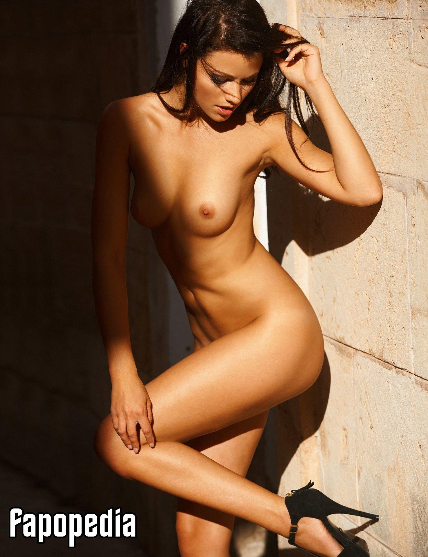 Elena Rotter Nude Leaks