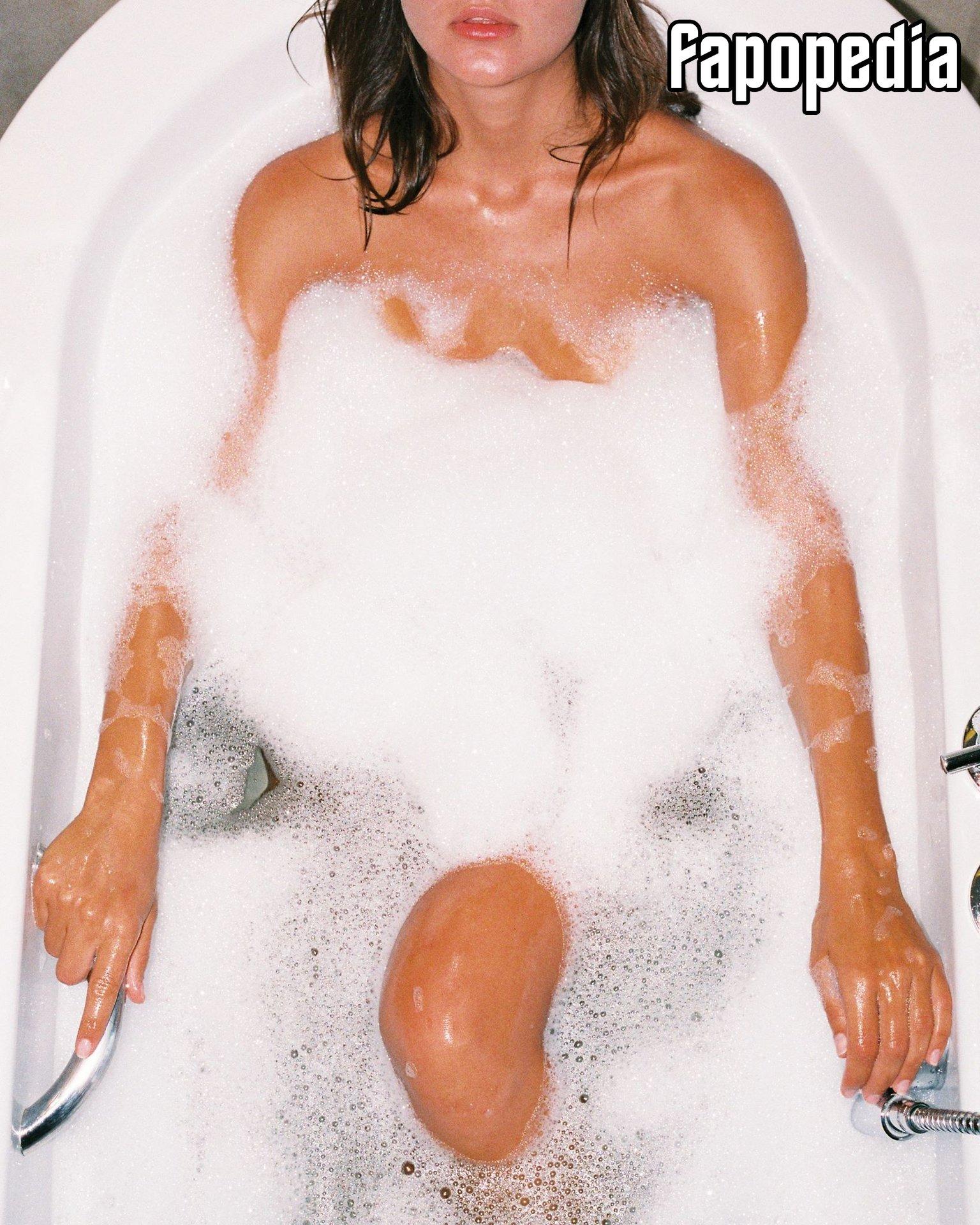 Ella Korobova Nude Leaks