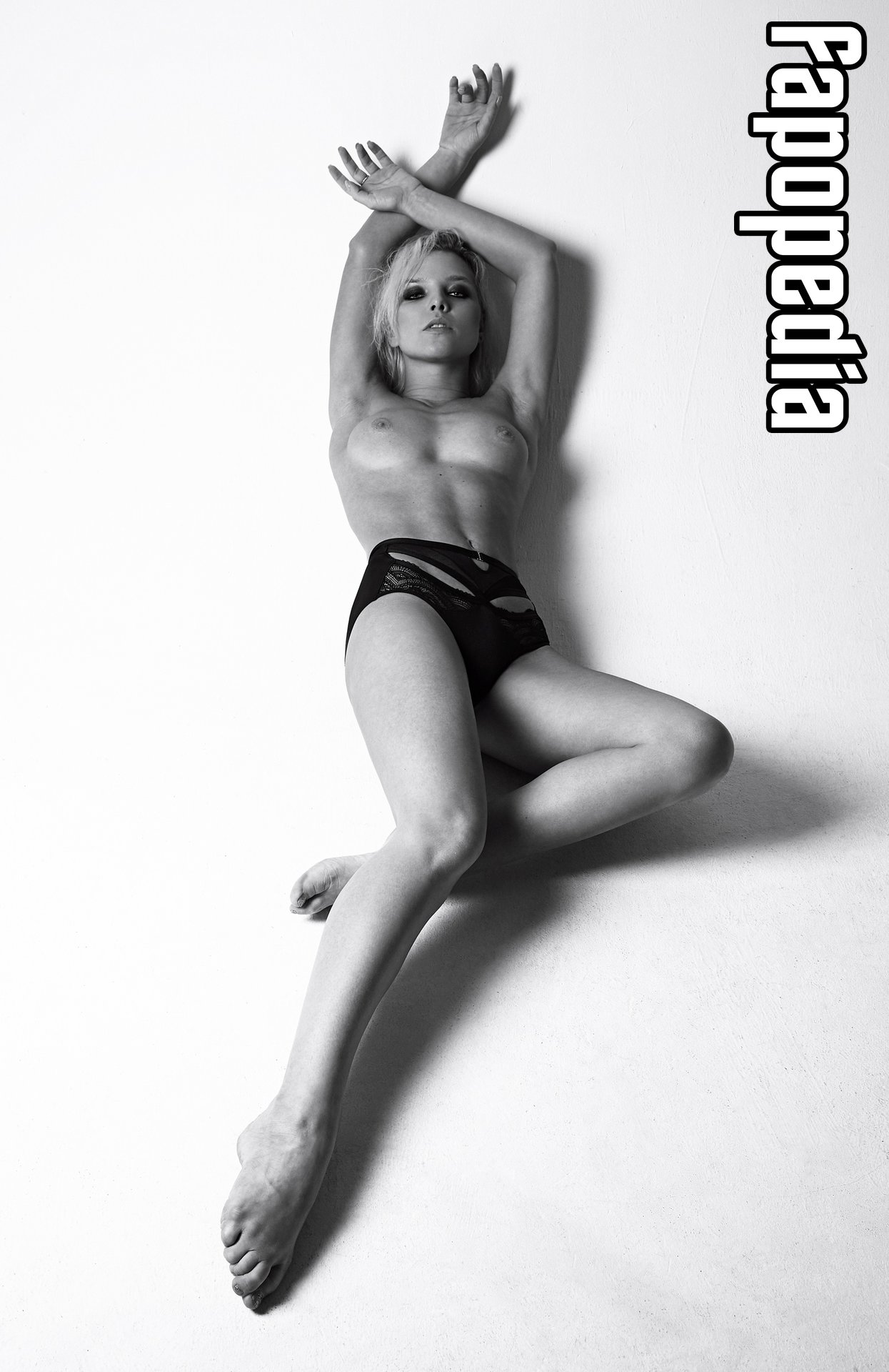 Emiliya Costa Nude Leaks