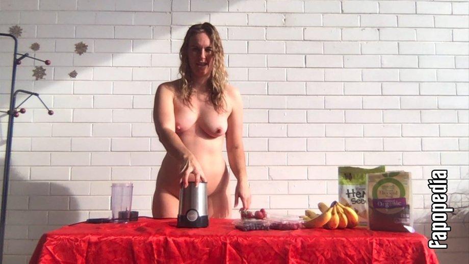 Emily Walsh Nude Leaks