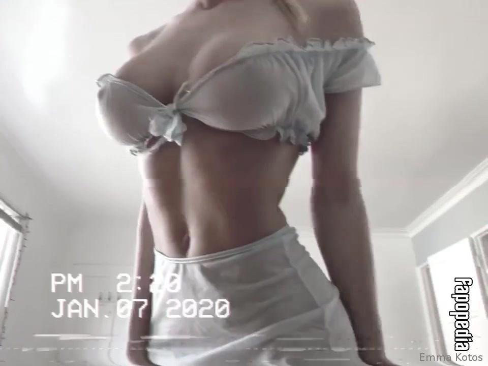 Emmakotos Nude OnlyFans Leaks