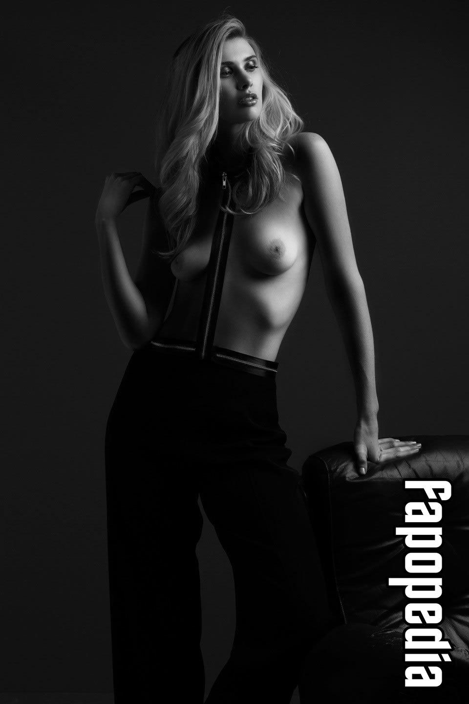 Erin Tunney Nude Leaks