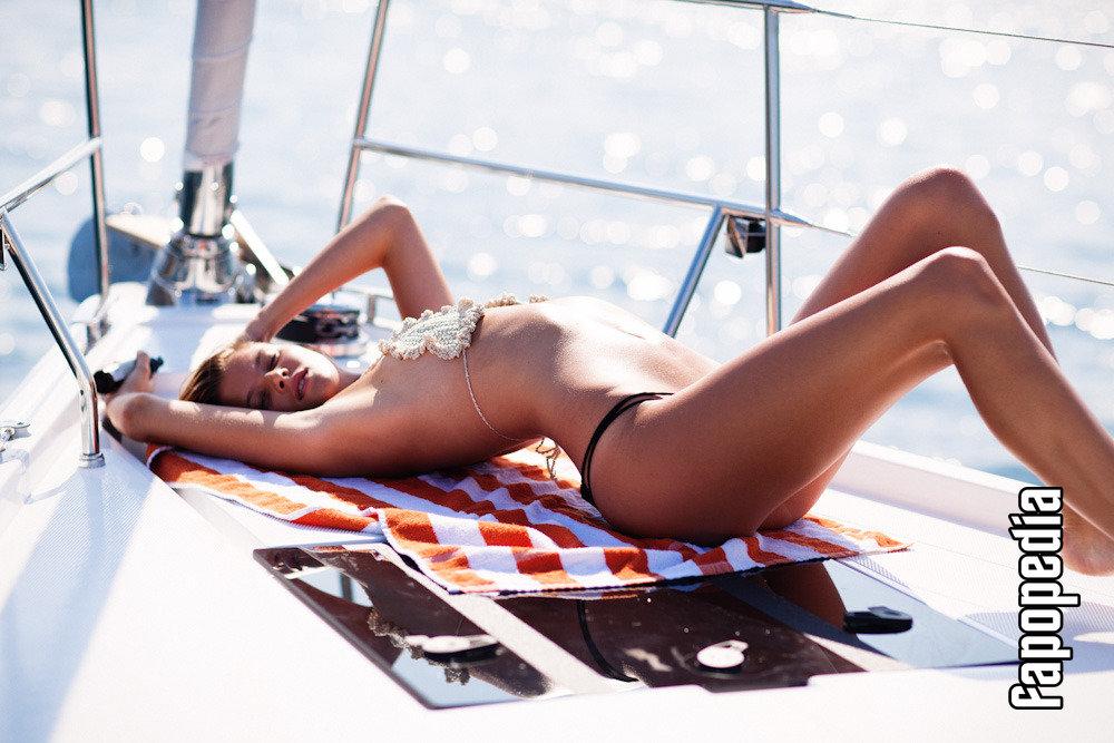 Estee Rammant Nude Leaks