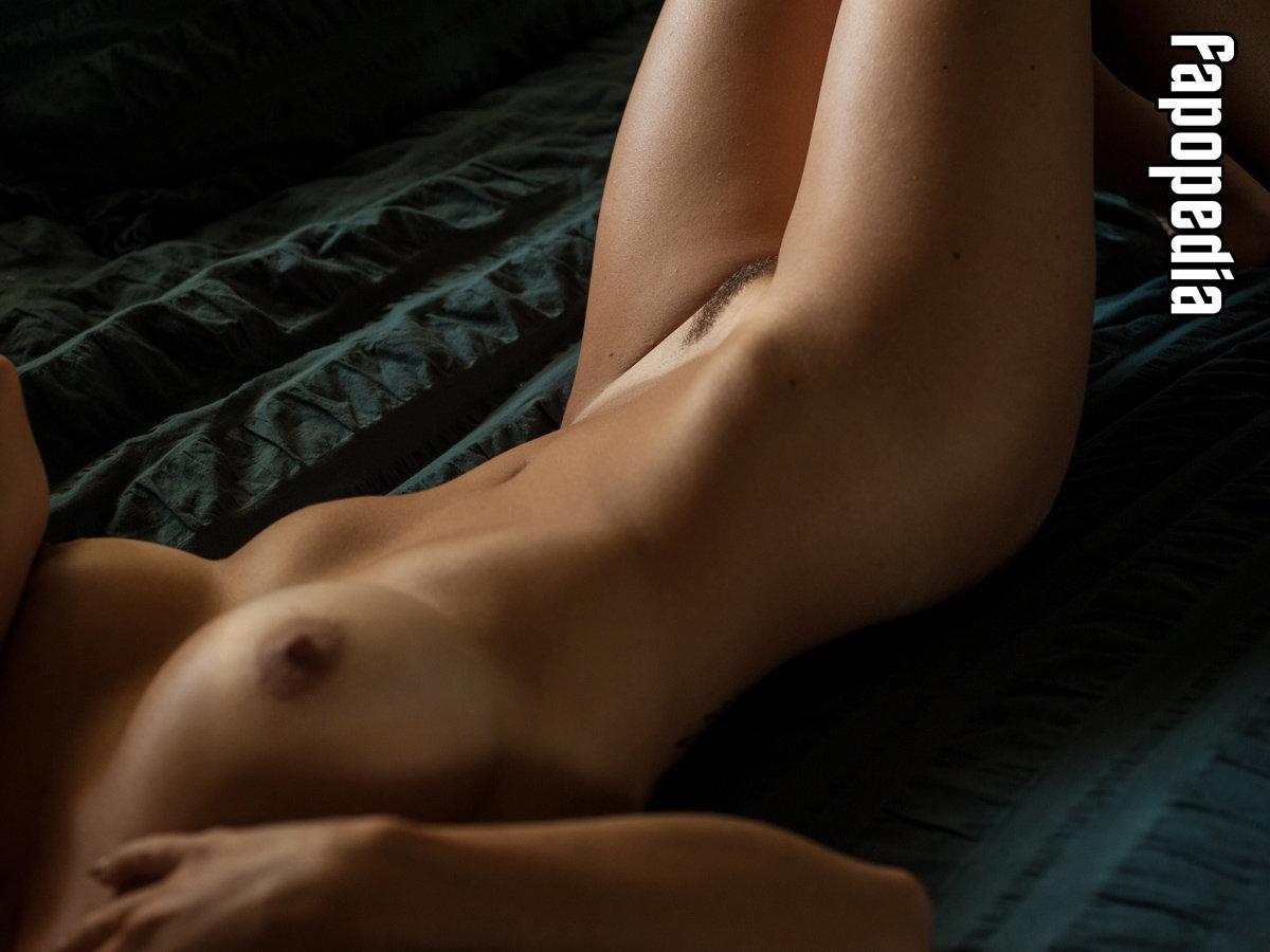 Evey Snow Nude Leaks