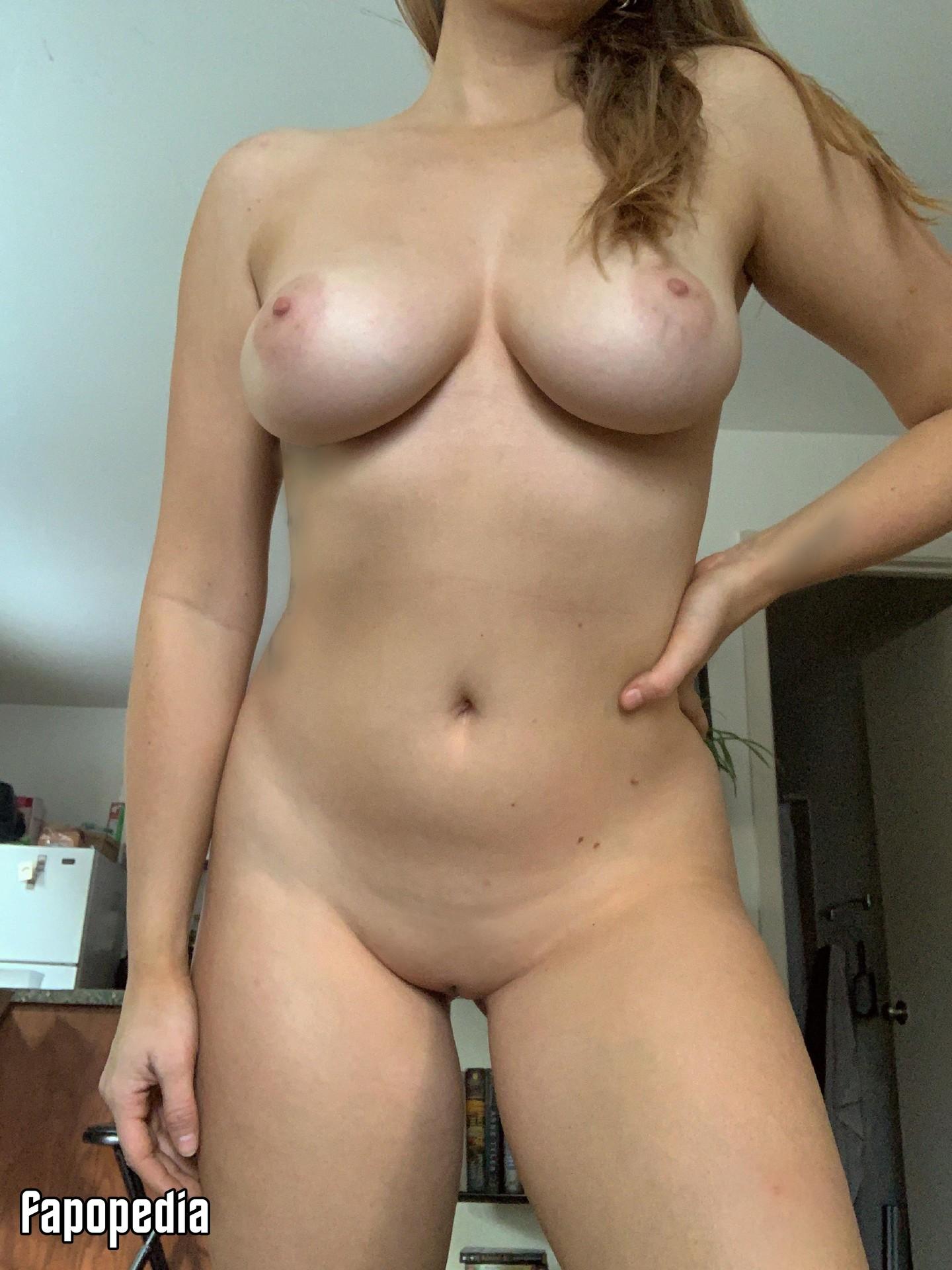 Girlgoldenface Nude Leaks