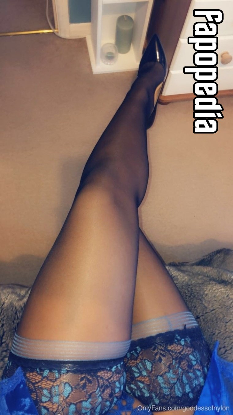 Goddessofnylon Nude OnlyFans Leaks
