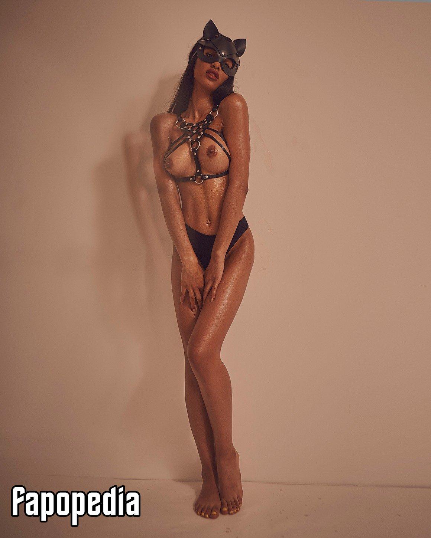 Huber  nackt Brooke Brooke McCullough
