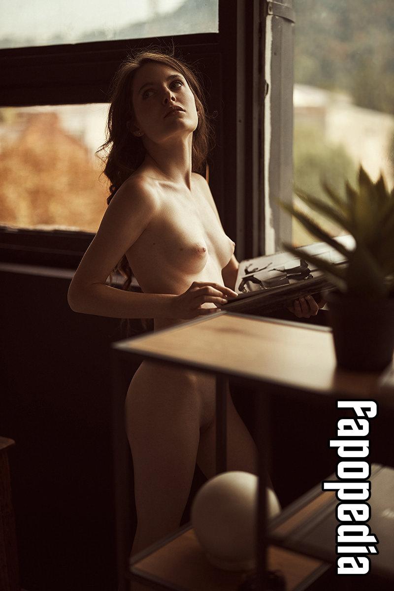 Megali nackt Renoir Nudes By