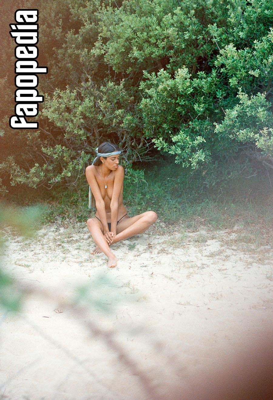 Karen Joigny Nude Leaks