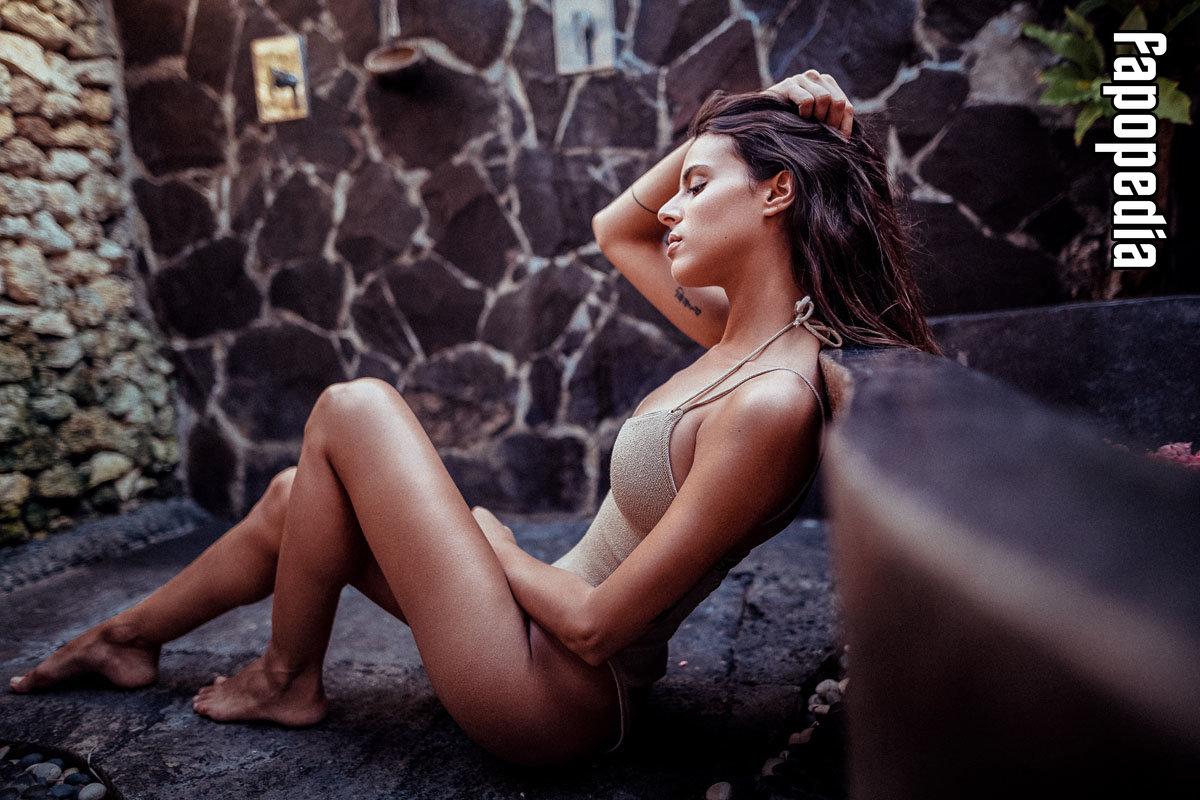 Kara Michele Wilder  nackt