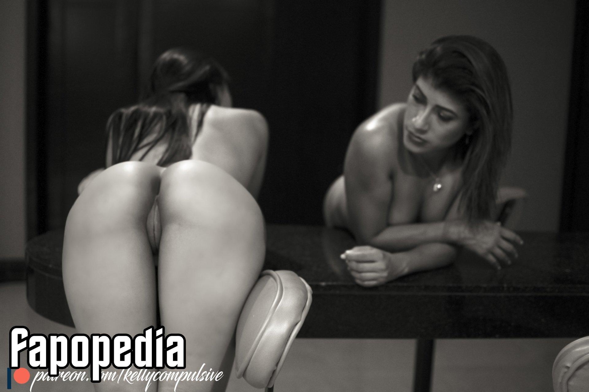 Kelly Compulsive Nude Leaks