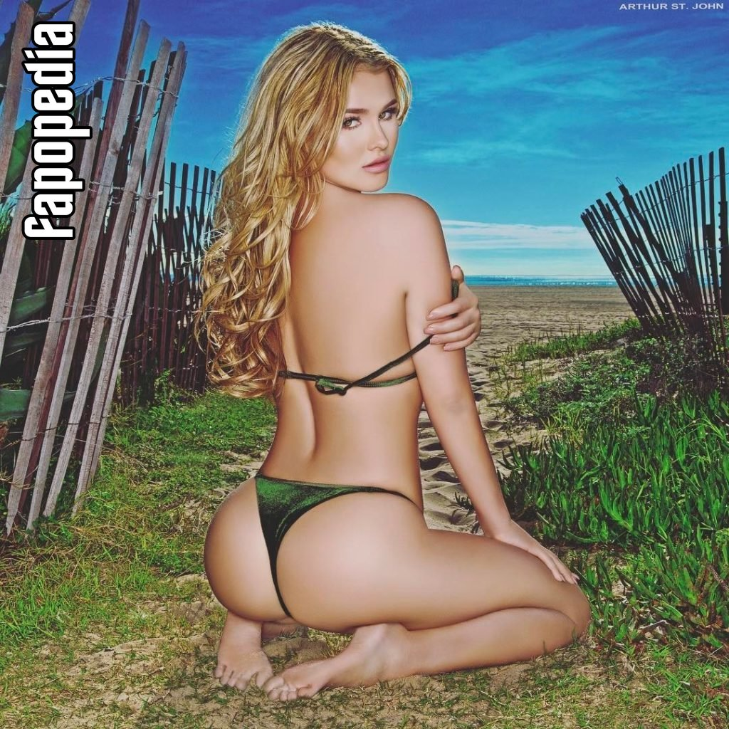 Kinsey Wolanski Nude Leaks