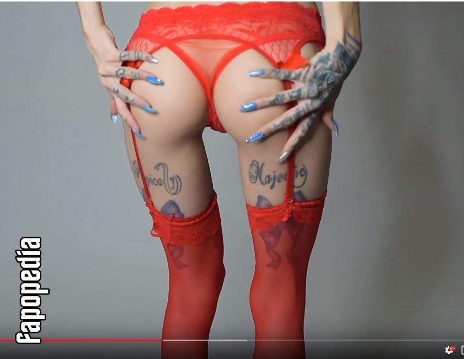 Sheila Goold  nackt