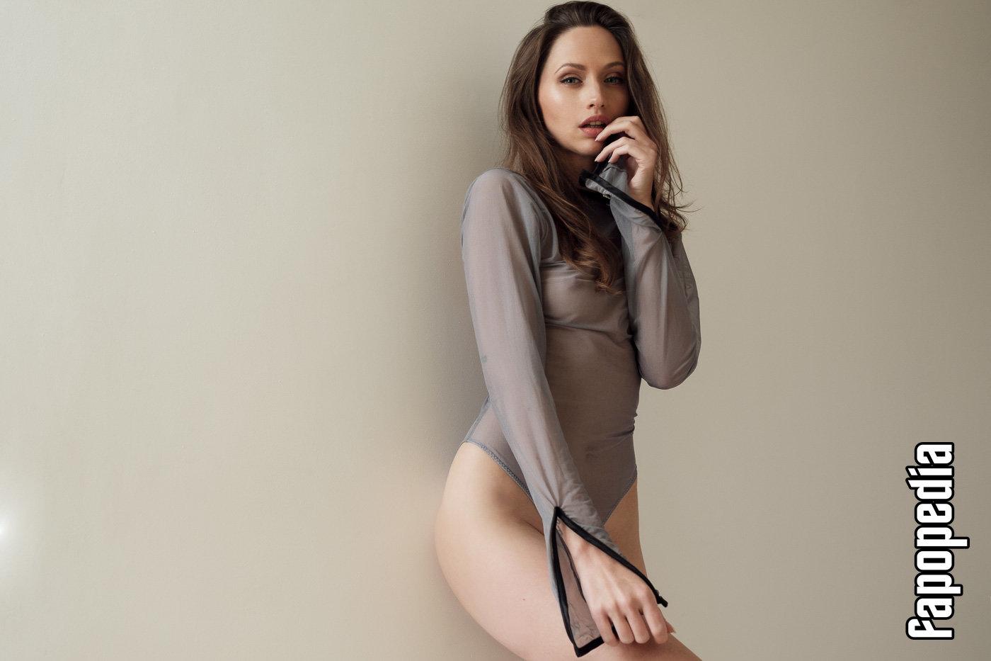 Laura Bgn Nude Patreon Leaks