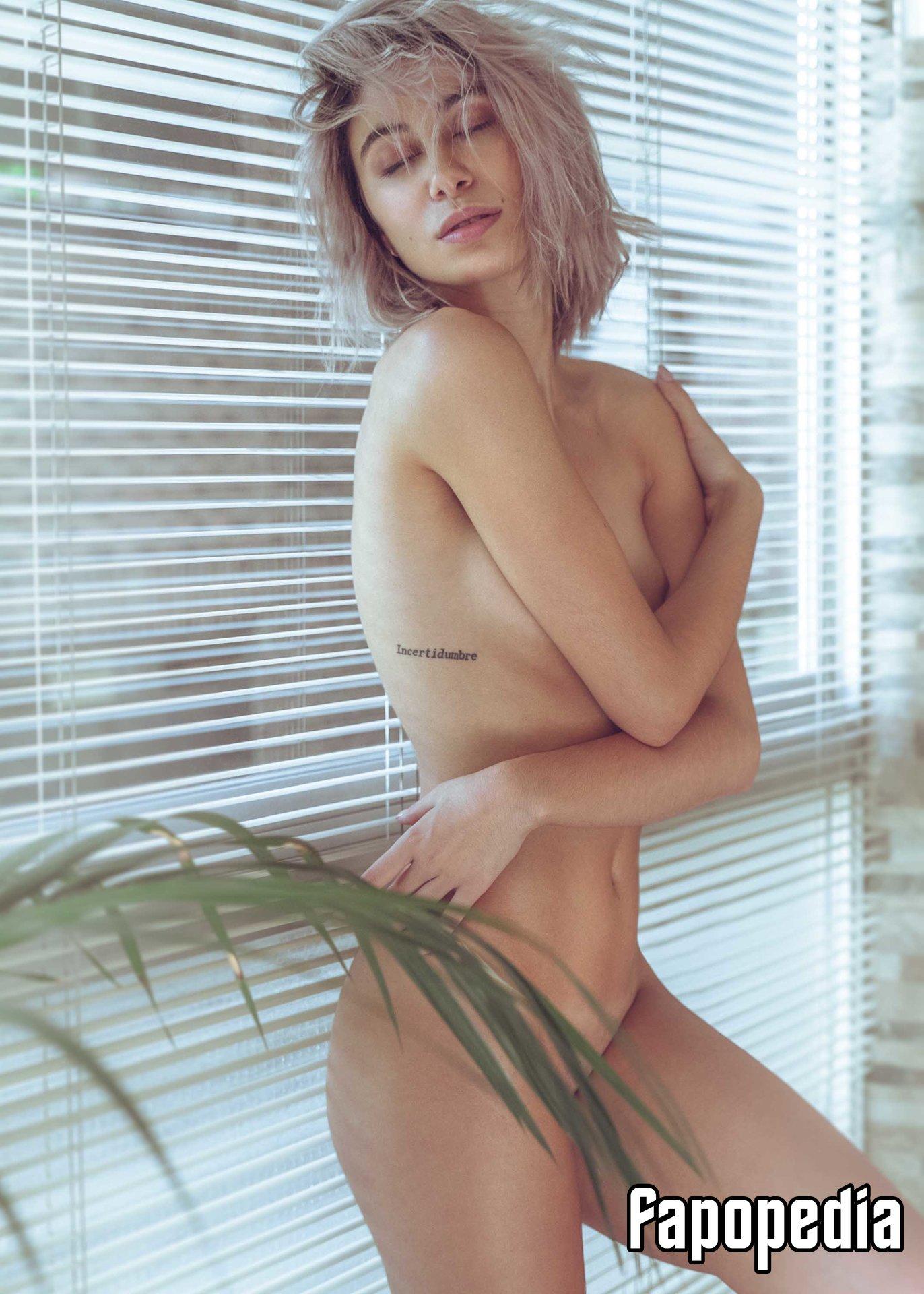 Laura Burguera Nude Leaks