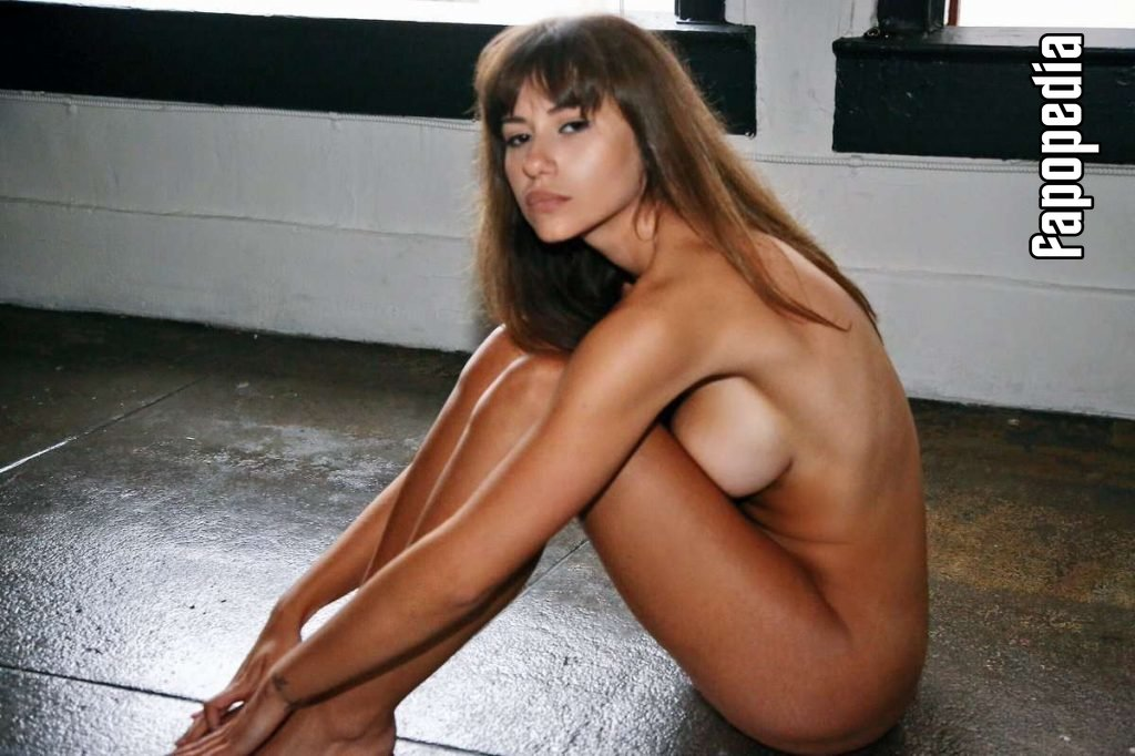 Laura Cartier Nude Leaks
