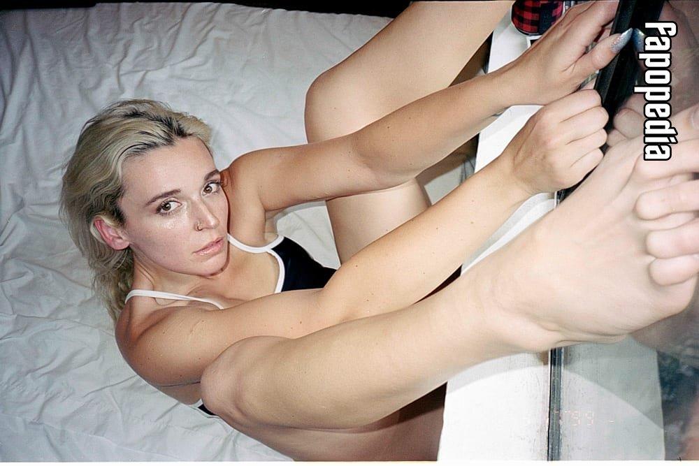 Lauren Deran Nude Leaks