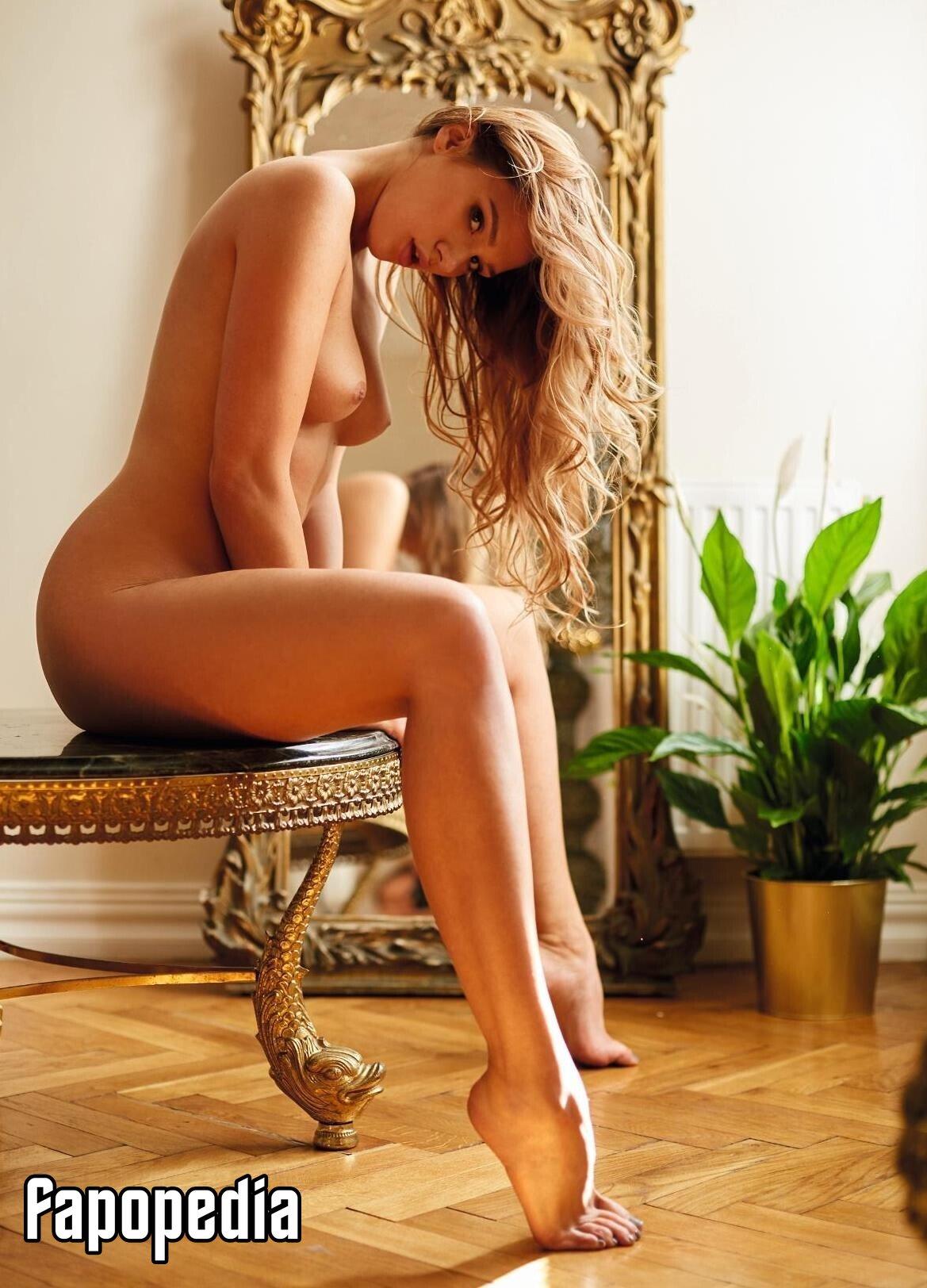 Lena nackt Bednarska Playboy