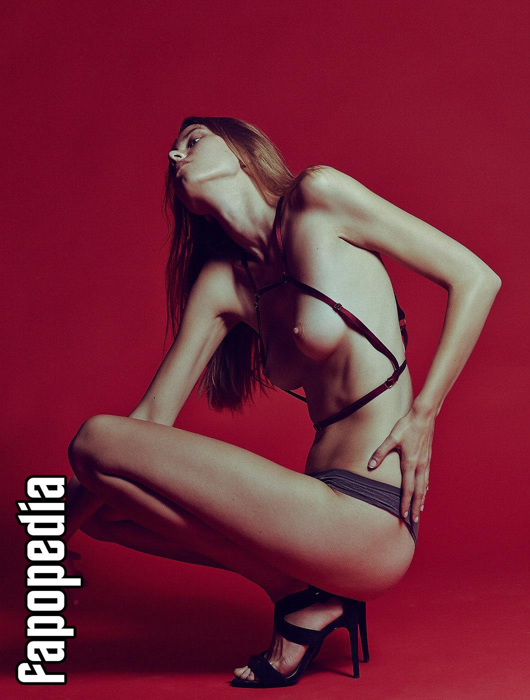 Lena Curbacova Nude Leaks