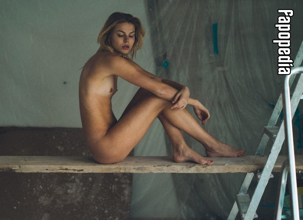Nackt Jana Hachmeister  BDSM Romane: