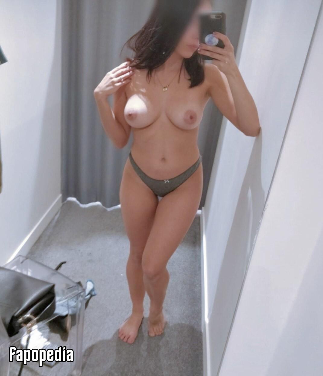 LoveAuLait Nude Leaks