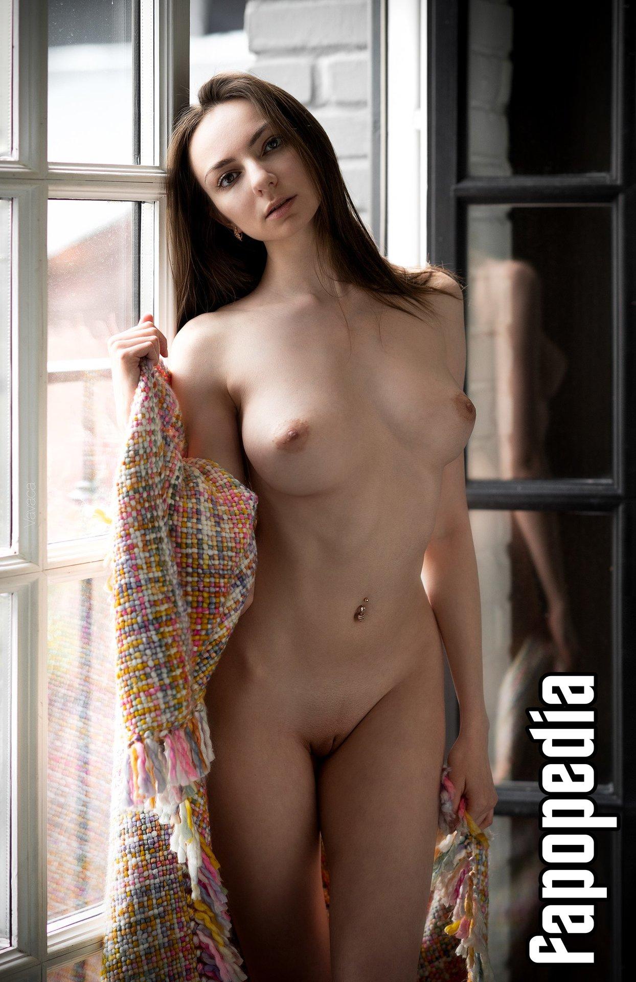 Nackt  Margo Amp Margo Porno