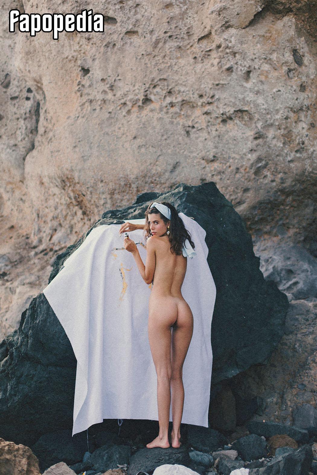 Sophie Scholz  nackt