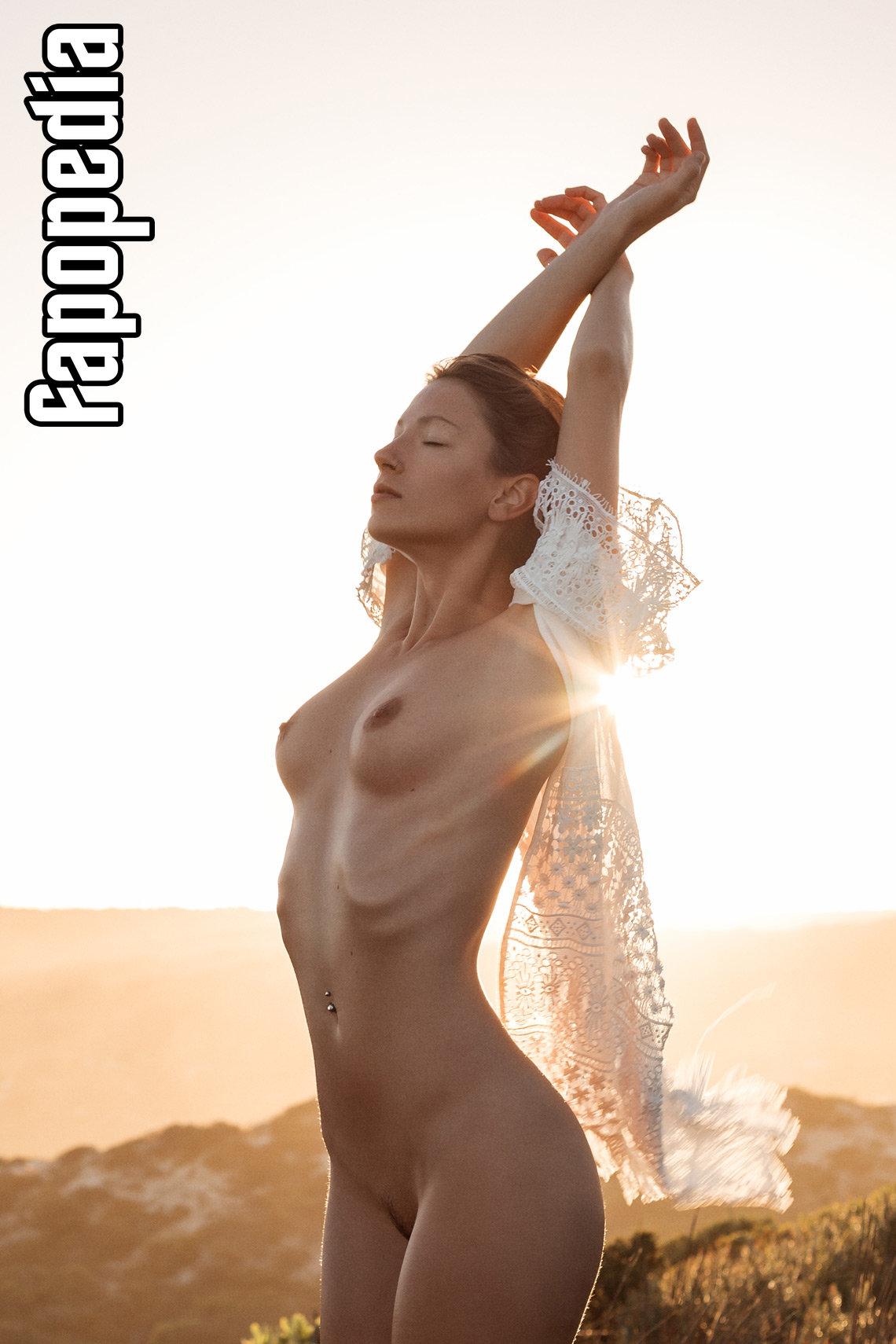 Melanie Nizette Miluniel  Nude Leaks