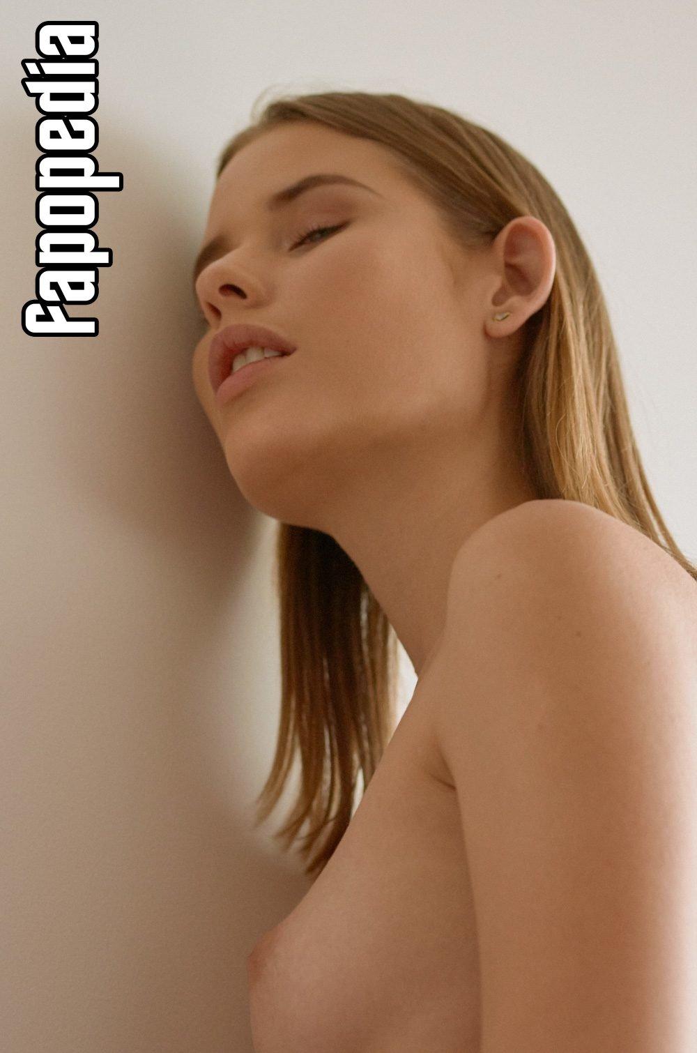 Miranda Correa Nude Leaks