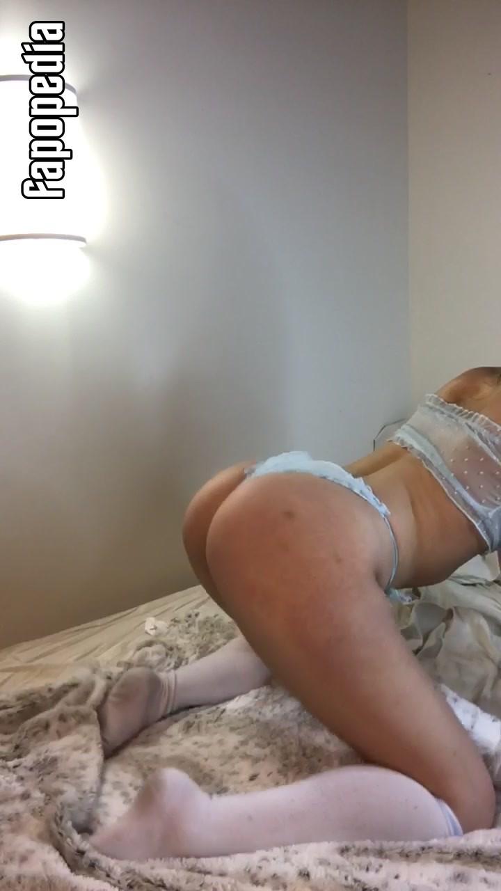 Miss Bella Nude OnlyFans Leaks